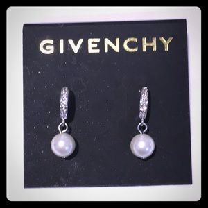 NWT Givenchy dangling pearl earrings w/crystals
